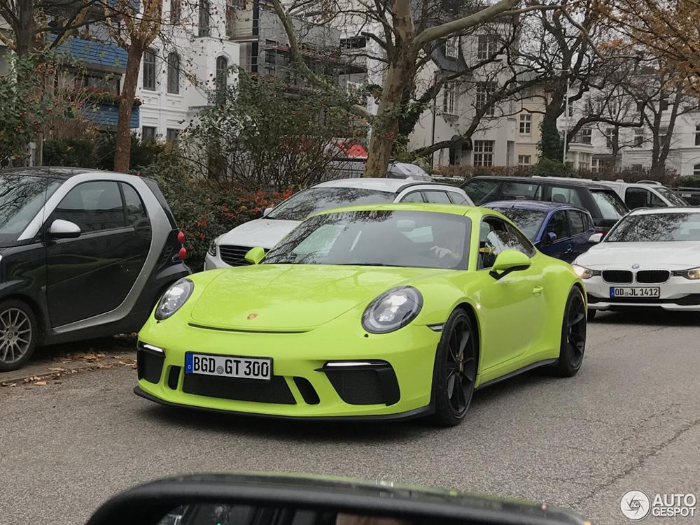 Porsche GT3 Touring heeft lekker kleurtje