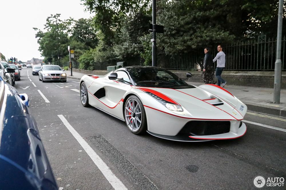 Gespot: creatieve Ferrari LaFerrari