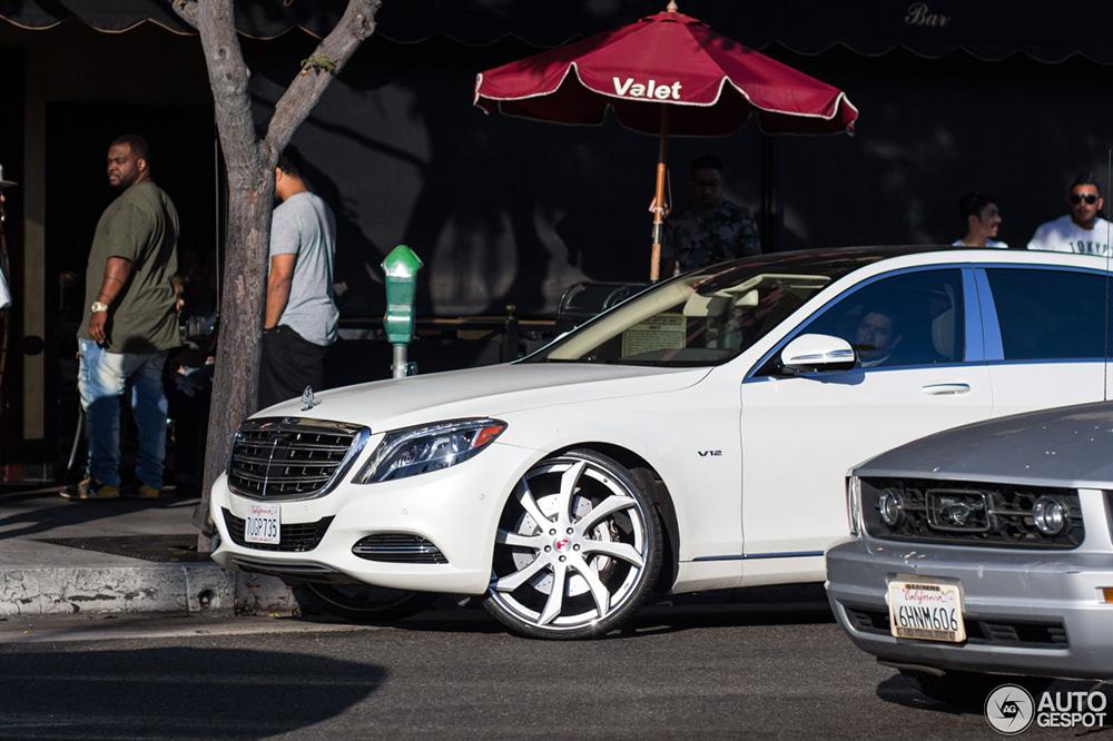 Mercedes-Maybach S 600 heeft de plank misgeslagen