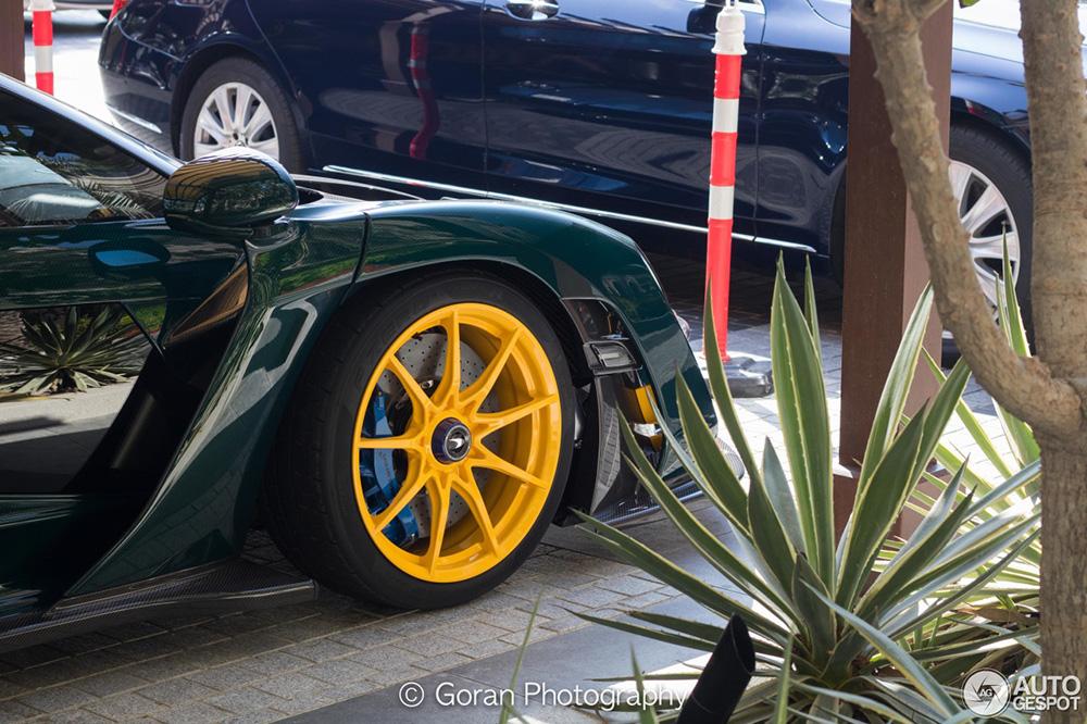McLaren Senna is in goed gezelschap in Dubai