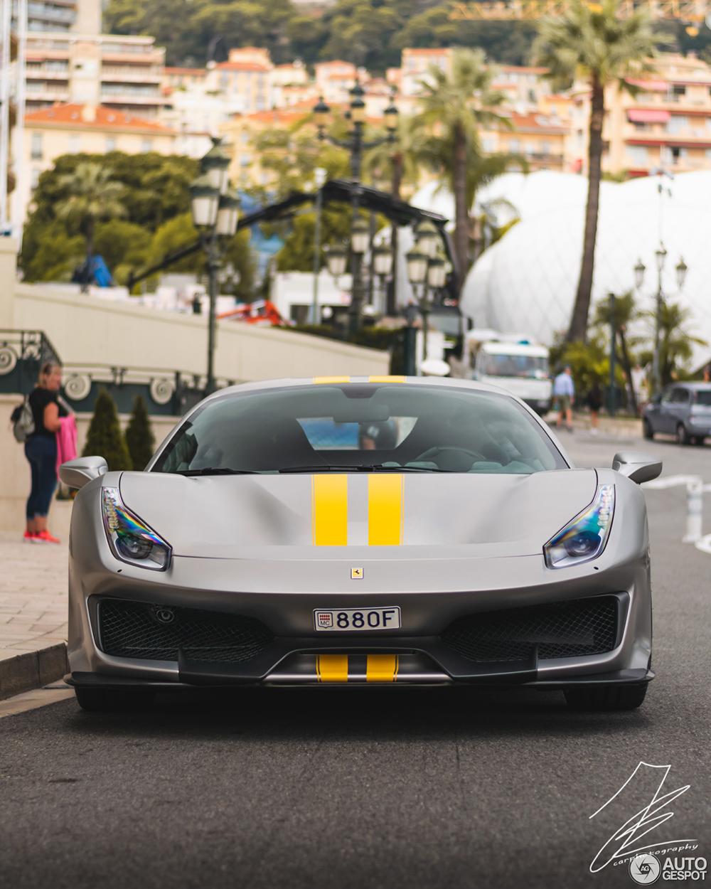 Niet in het rood: Ferrari 488 Pista