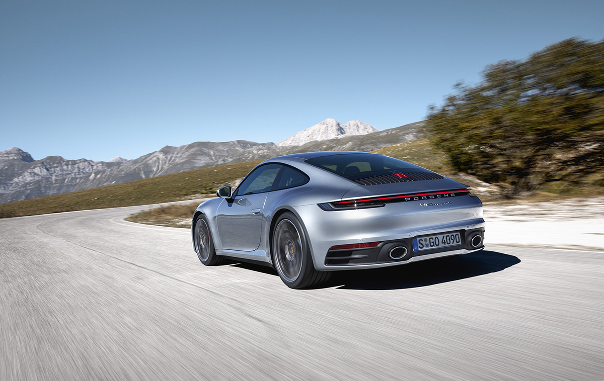 Finally official: the new Porsche 911