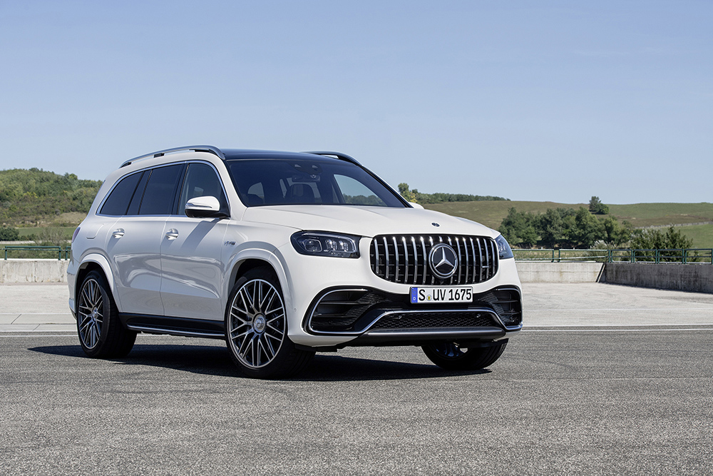 Mercedes-AMG GLS 63 is a rocket for 7 persons
