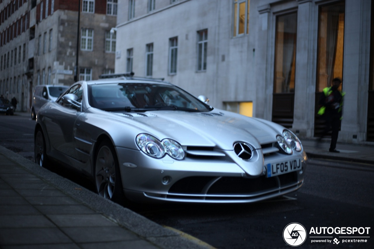 Mercedes-Benz SLR McLaren past perfect in Londen