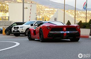 LaFerrari shows itself in Monaco
