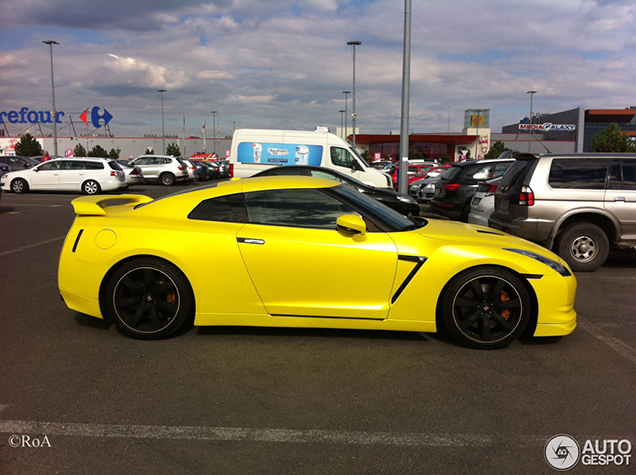 Do You Like This Yellow Nissan Gt R