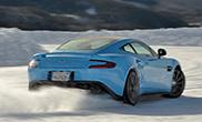 Varios Aston Martin en la nieve!