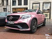 Pink Lady gespot in Düsseldorf