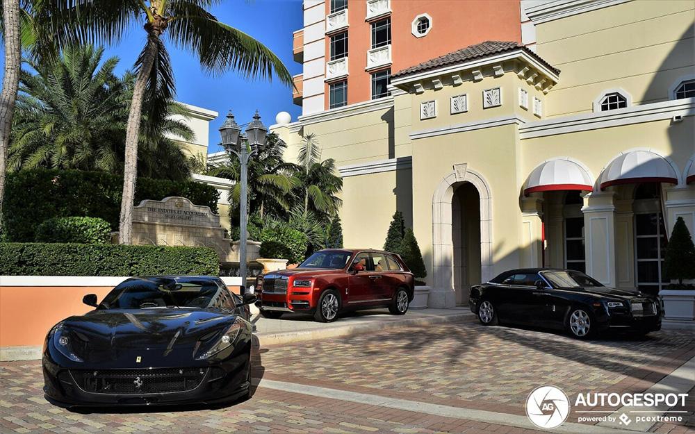 Twee heerlijke Ferrari's 812 Superfast gespot