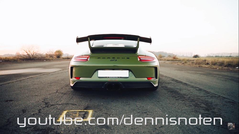 Start je namiddag goed met deze krijsende Porsche GT3
