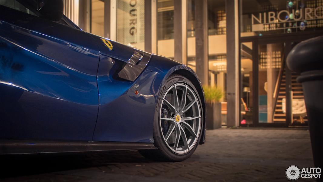 Spot van de dag: Ferrari F12tdf!