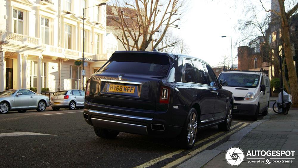 Rolls-Royce Cullinan doet het best goed in Londens straatbeeld