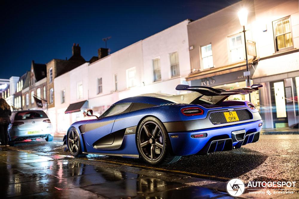 Nachtelijk Londen verrast met Koenigsegg One:1