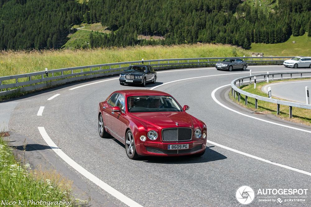 Bentley Mulsanne geniet vooral van de uitzichten in de bergen