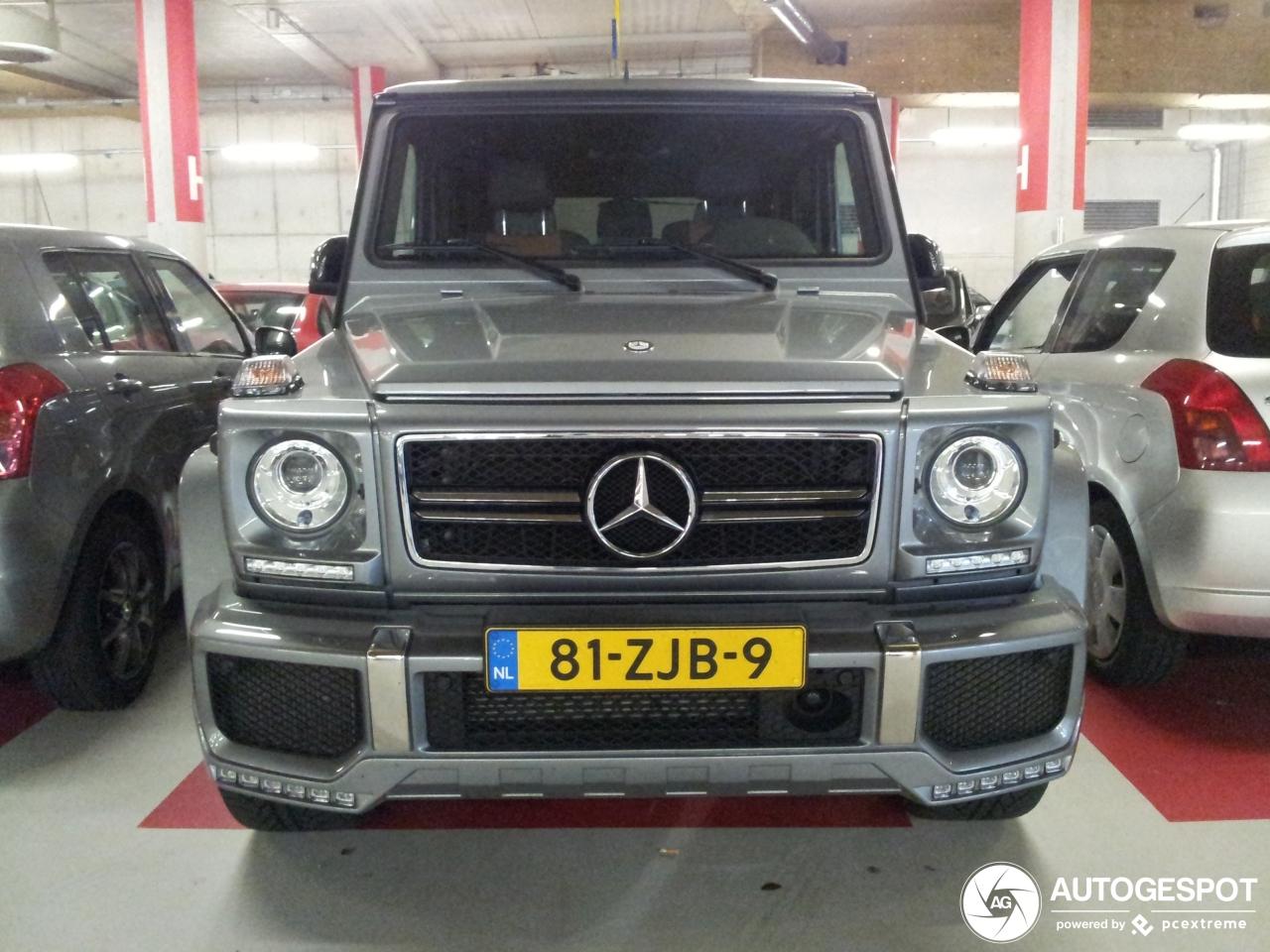 Mercedes-Benz G 63 AMG heeft de kerstversiering al klaar