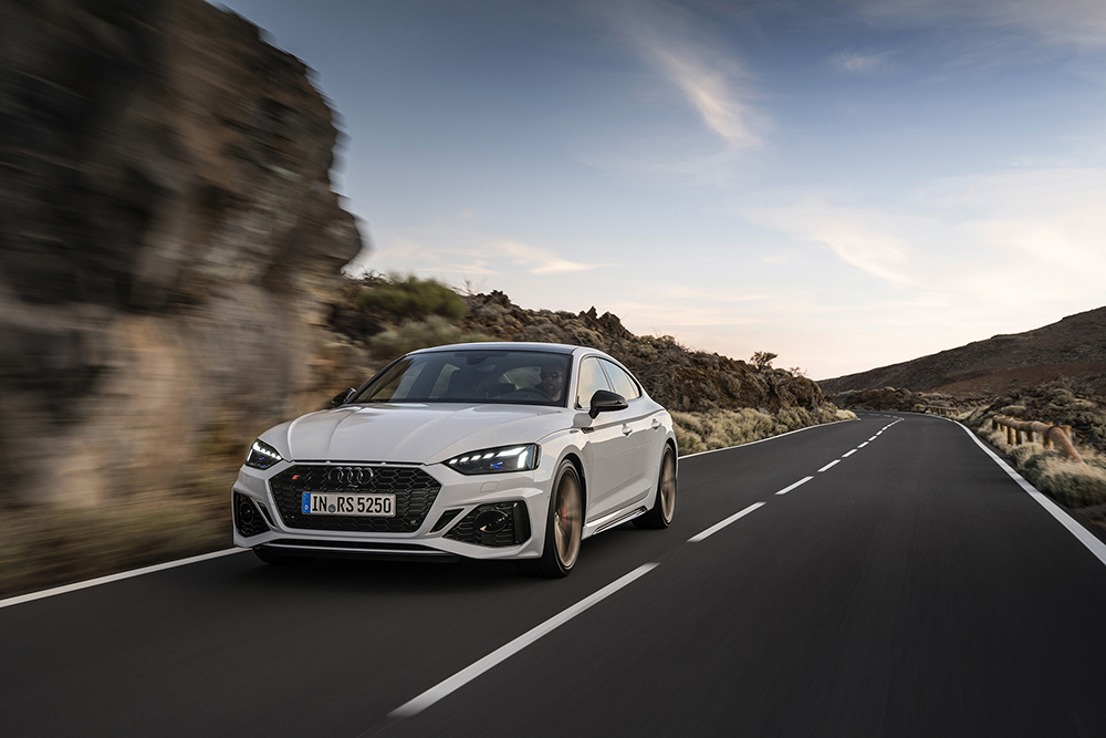 奥迪推介改版 RS 5 Coupé 和 Sportback