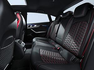 Audi scherpt RS 5 Coupé en RS 5 Sportback verder aan