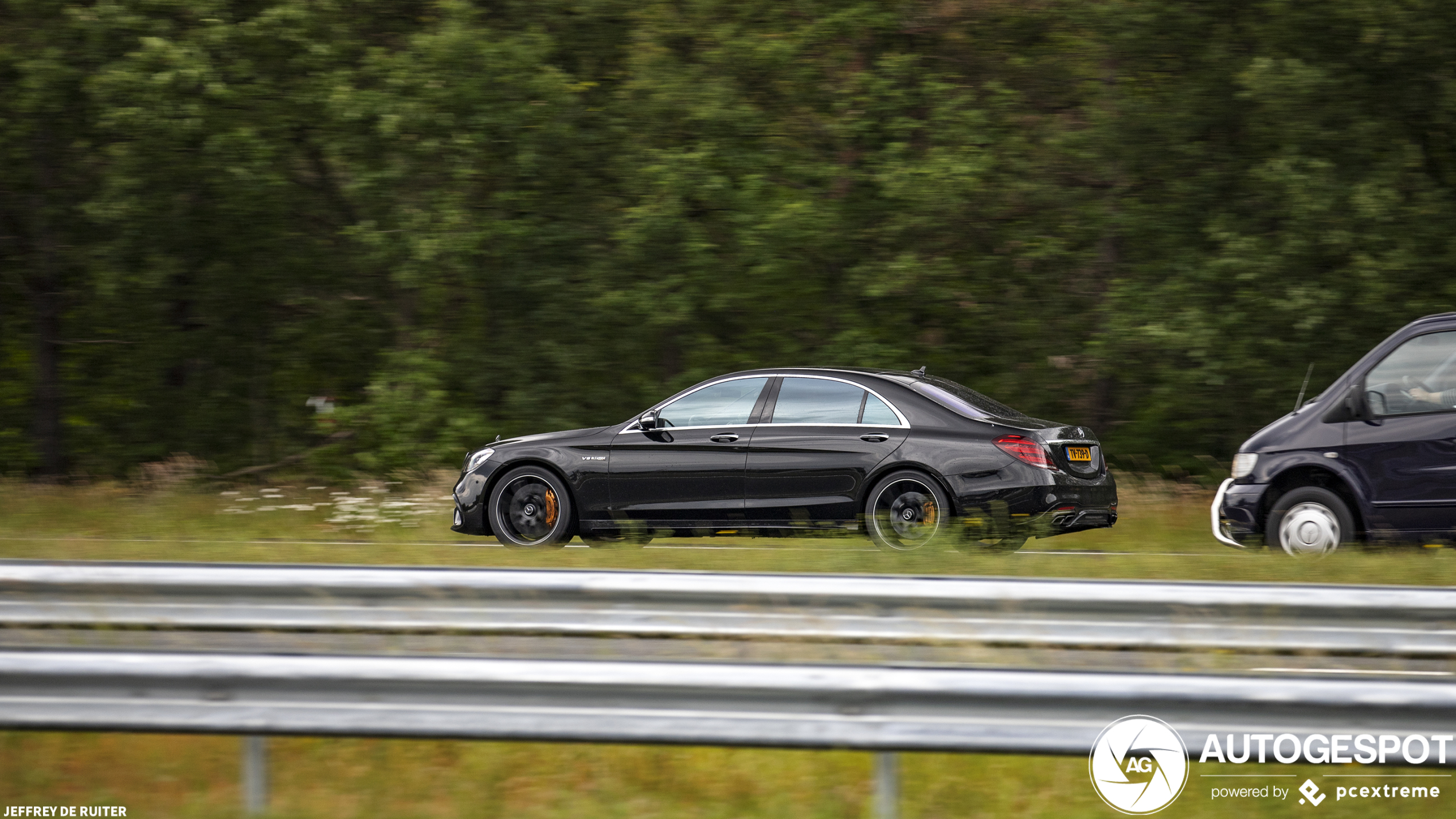 Zoeven als een koning met de Mercedes-AMG S63