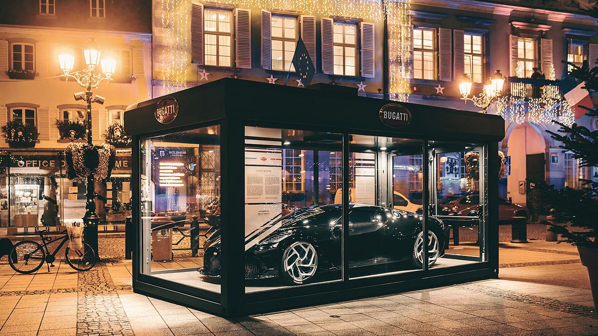 Bugatti La Voiture Noire mag Molsheim opvrolijken tijdens de kerst
